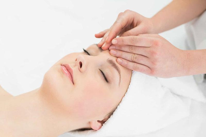 6 درمان سردرد تنشی با انجام ماساژ شیاتسو