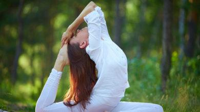 Photo of 6 حرکت یوگا که به رشد سریع مو ها کمک می کنند