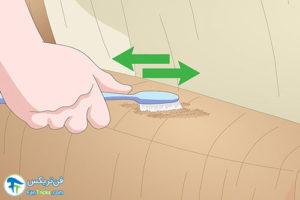 4 تمیز کردن آب دهان حیوانات خانگی از روی وسایل