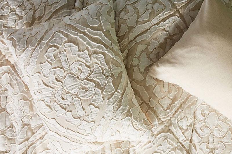 6 طرز شستن لباس و پارچه داماس