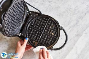 1 طرز صحیح شستن و تمیز کردن وافل ساز