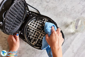 2 طرز صحیح شستن و تمیز کردن وافل ساز