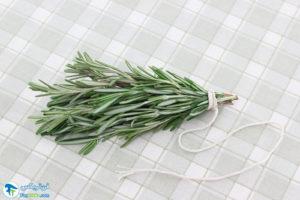 3 روش خشک کردن گیاه رزماری