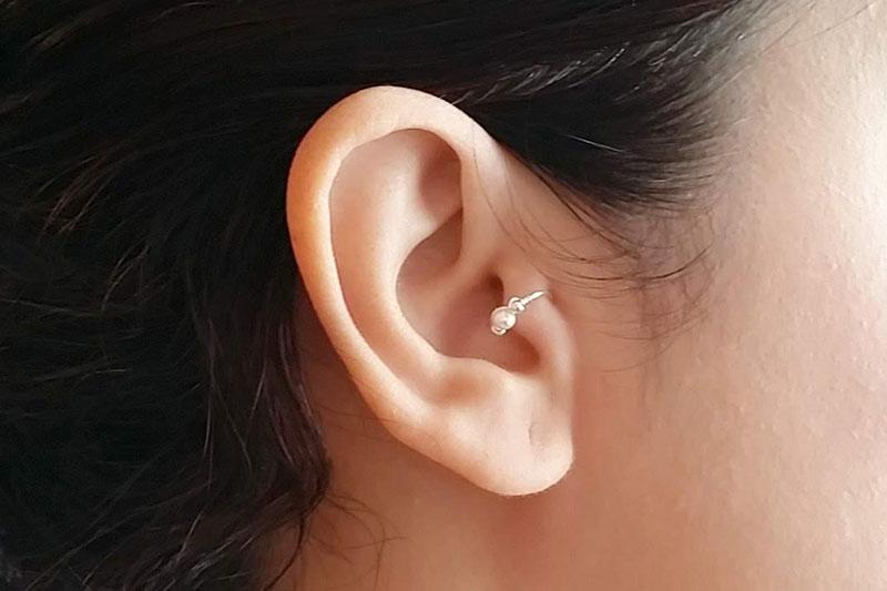 5 ضدعفونی و مراقبت از پیرسینگ زبانه گوش